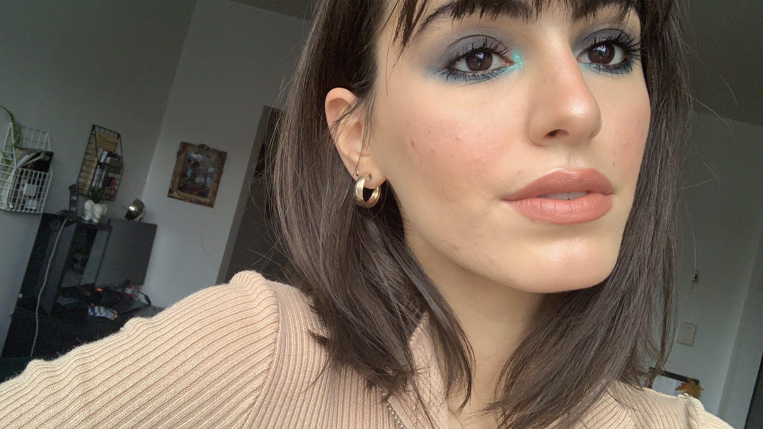 blue smokey eye makeup look.jpg