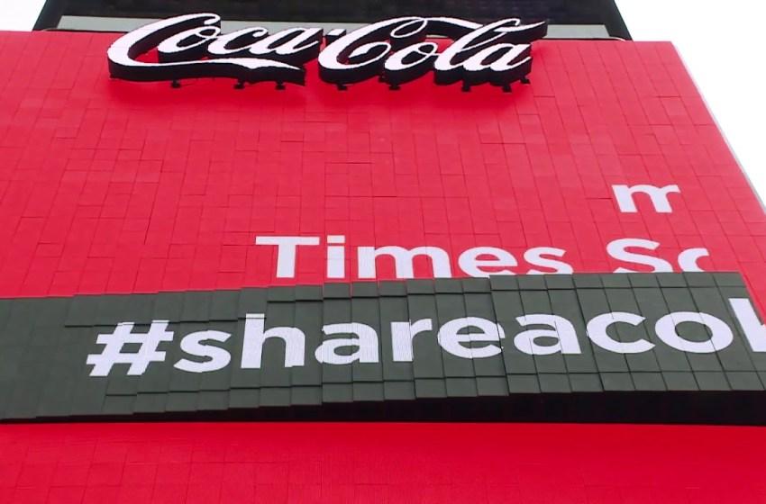 Coca Cola reinventa i display pubblicitari
