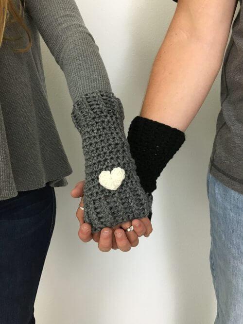 Free Crochet Pattern Loveland Fingerless Gloves Made With A Twist
