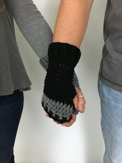 FREE CROCHET PATTERN FIINGERLESS GLOVES CROCHET PATTERN | FREE FINGERLESS GLOVES CROCHET PATTERN #fingerlessgloves #freecrochetpattern