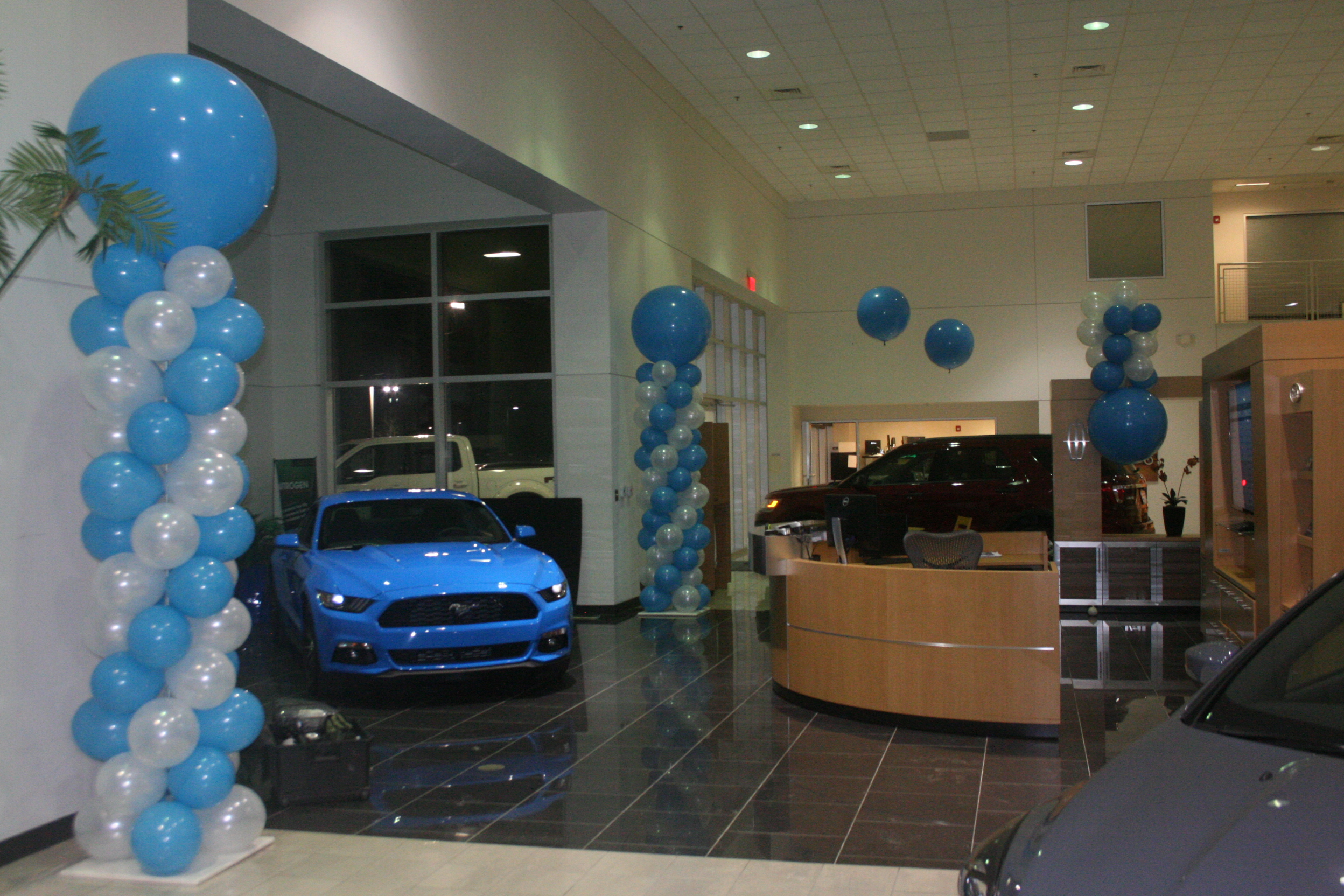 Ford Dealership Charlotte >> Ford Balloon Decor In Charlotte Nc Made Ya Look Balloons