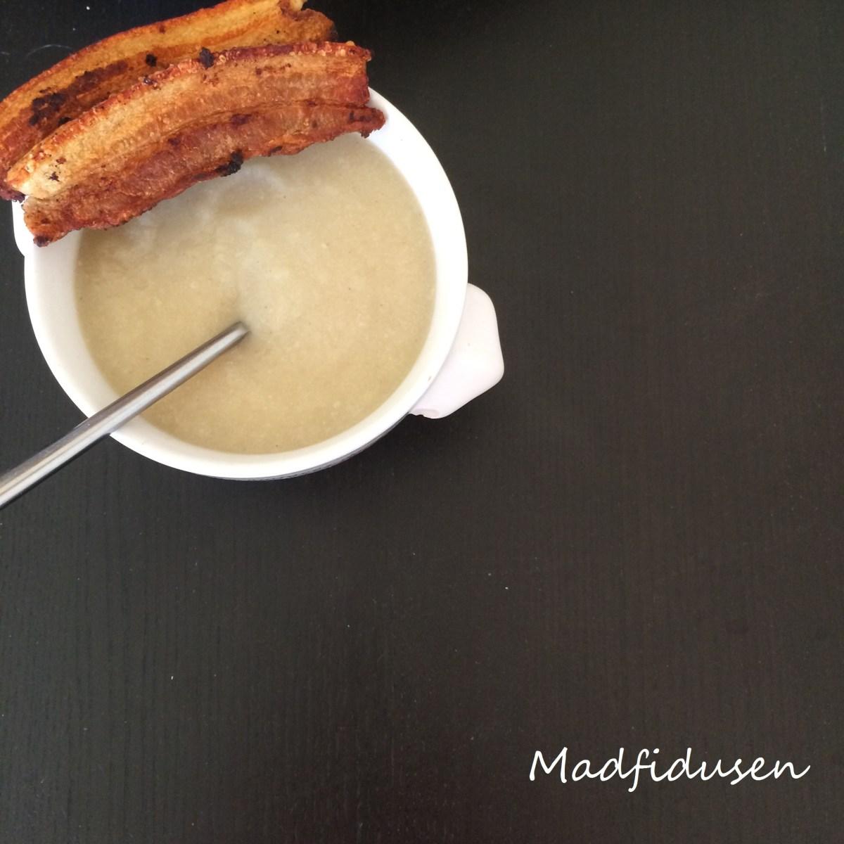 Mere suppe: Blomkålssuppe med porrer