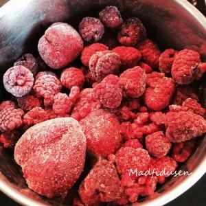 Jordbær-Hindbær ispinde