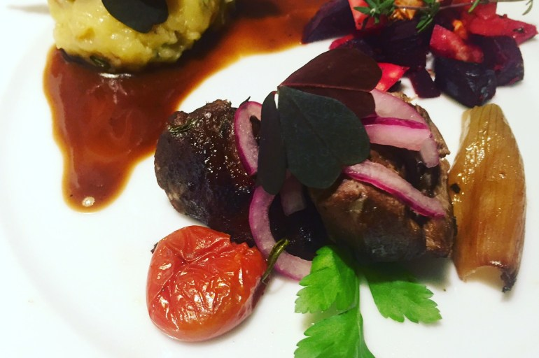 Ølbraiserede svinekæber i stegeso – verdens møreste kød
