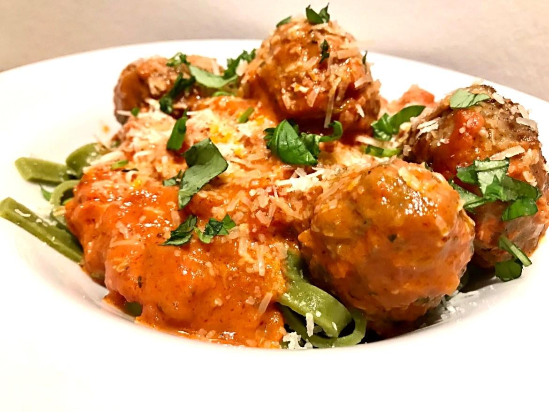 Italienske kødboller i tomatsauce