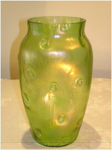 LOETZ GREEN RUSTICANA GLASS VASE