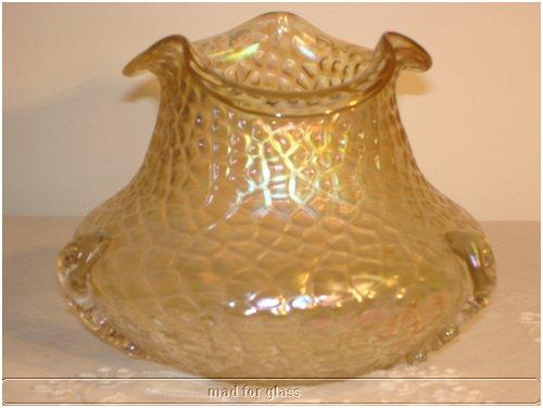 KRALIK NAUTILUS TYPE GLASS VASE