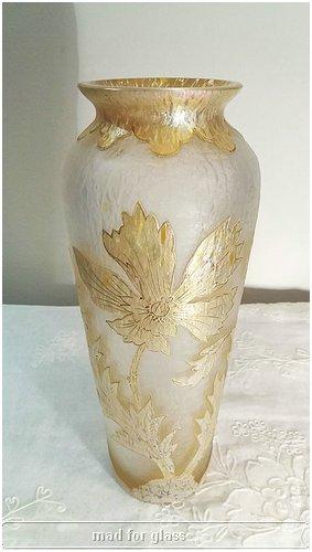 KRALIK CAMEO GLASS VASE WITH FLOWER DECOR IN GOLD PAPILLON