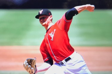 San Diego Padres pitching prospect Eric Lauer delivers with the El Paso Chihuahuas