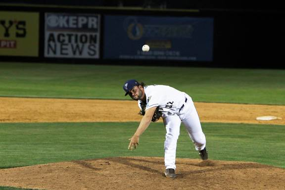 Padres prospect Dan Dallas pitches for Tri-City Dust Devils