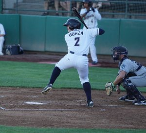 Jonny Homza bats for Tri-City Dust Devils
