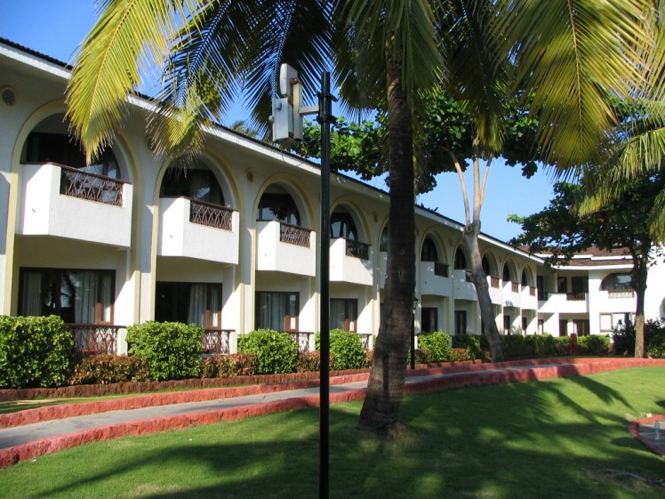 holiday-inn-goa-exterior-view7