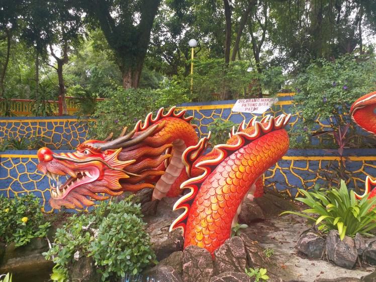 Dragon at Sengarrang temple Bintan.jpg
