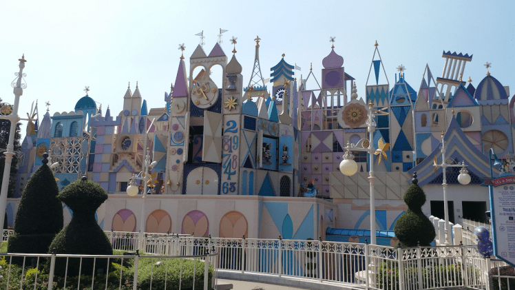 fantasyland-its a small world.png