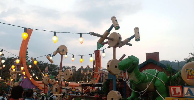 Toy storyland,Disneyland .png