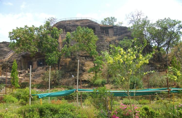 Pandava cave, panchmarhi, MP.png