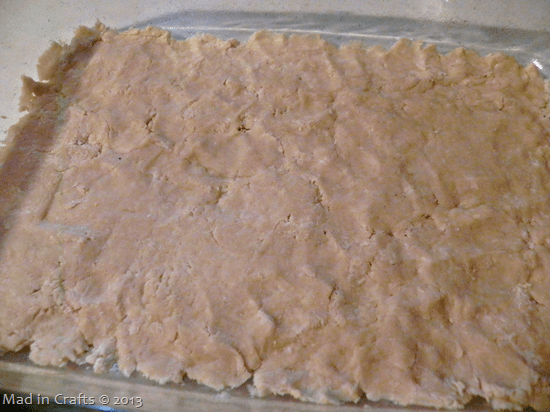 press-down-crust-with-fingers_thumb1