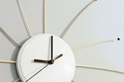 DIY Vintage Knitting Needle Starbust Clock