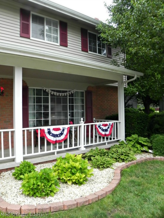Front-Porch-with-Buntings_thumb1
