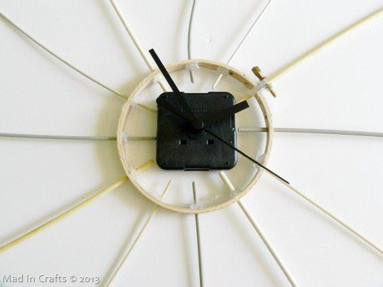 trim-needles-to-make-sure-clock-part-25255B2-25255D