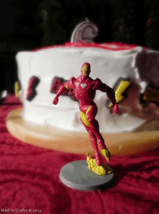 superhero-figurines_thumb1