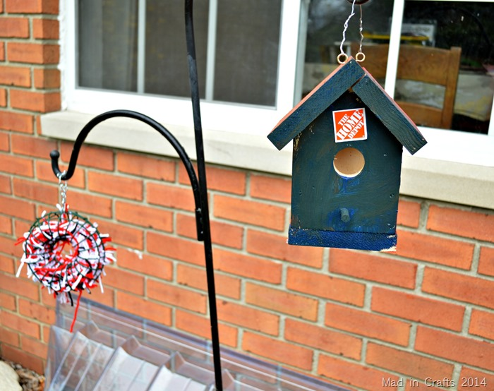 Birdhouse and Nesting Material