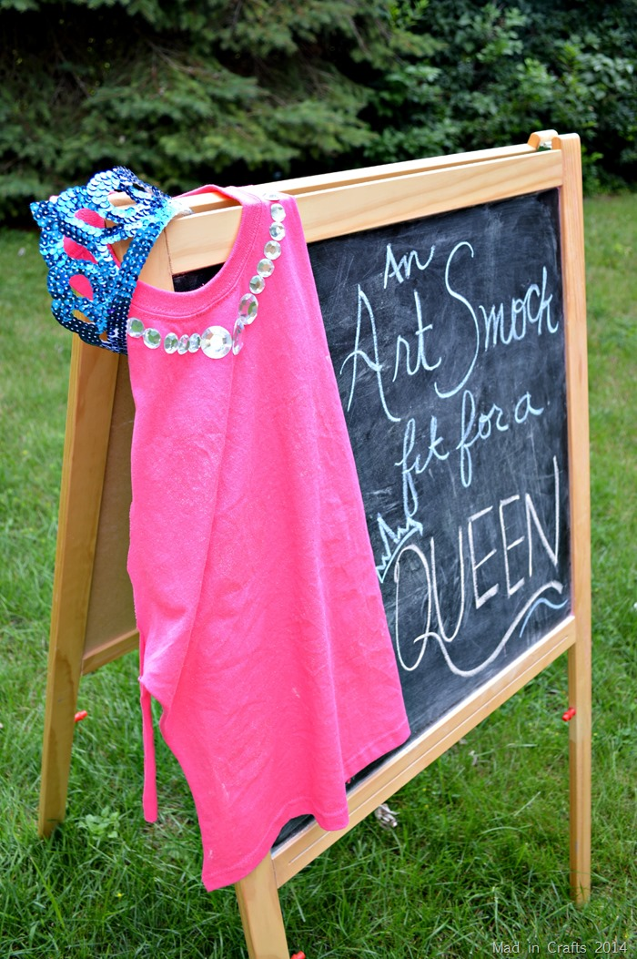 Apron or art smock from a t shirt