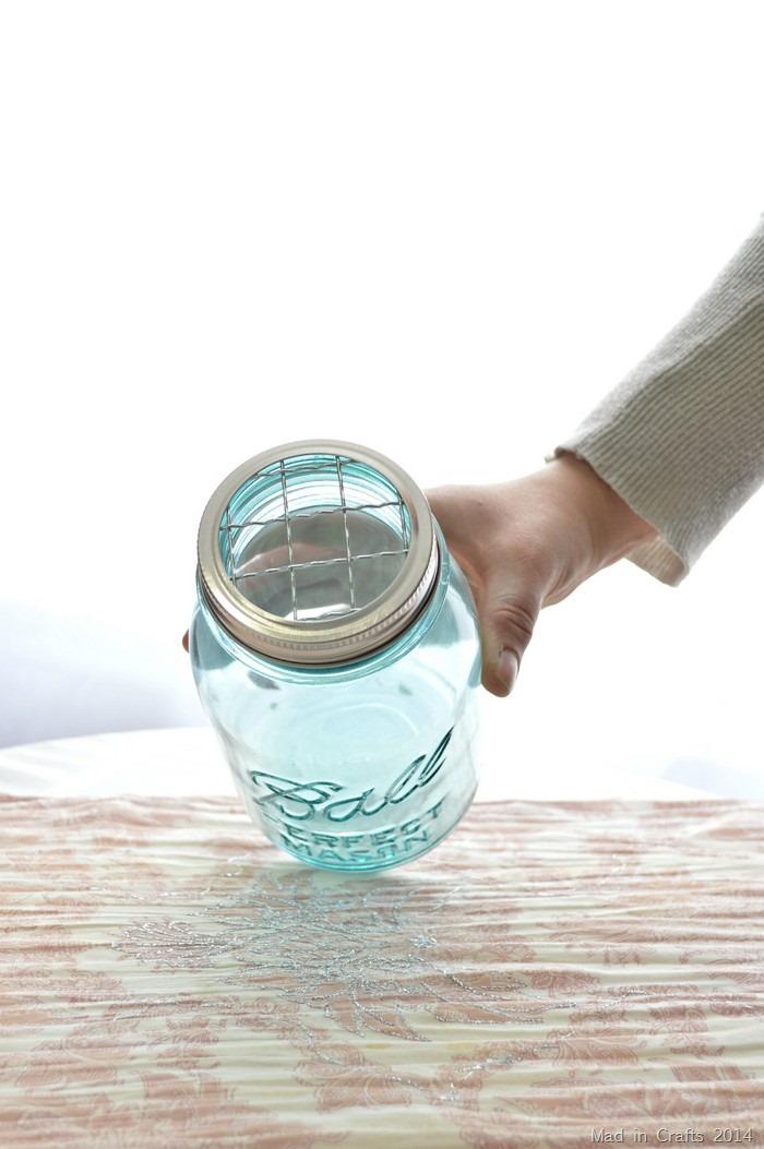 frog insert in mason jar