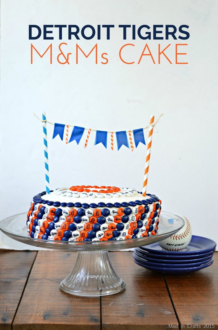 Detroit Tigers M&M cake with a penant banner