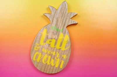 SUMMERY PINEAPPLE SIGN