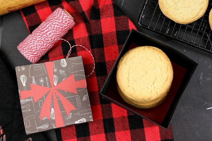 DIY PAPER CHRISTMAS COOKIE GIFT BOX