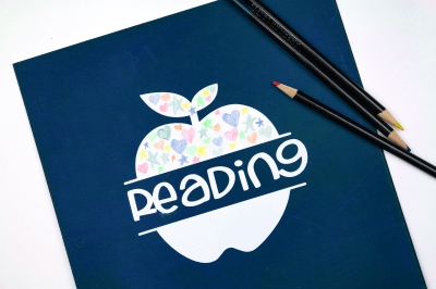 Reading folder with cardstock sticker and colored pencils