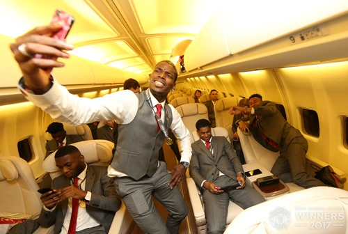United . Celebrating Europa League victory in the air 6