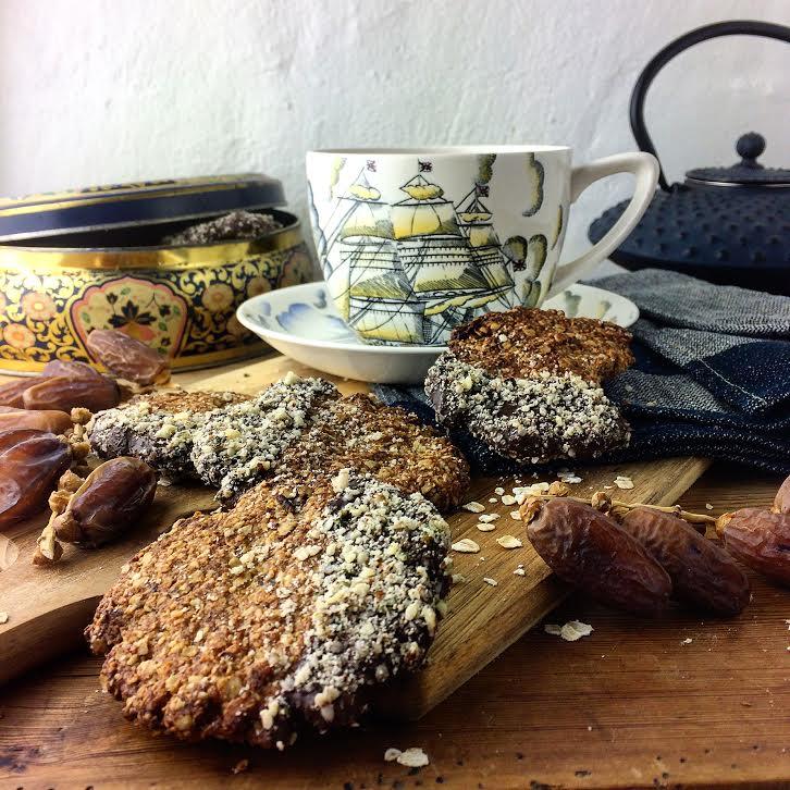 Havregrynskager med mørk chokolade og hasselnødder - Plantebaseret / Vegansk opskrift - Mad med glød