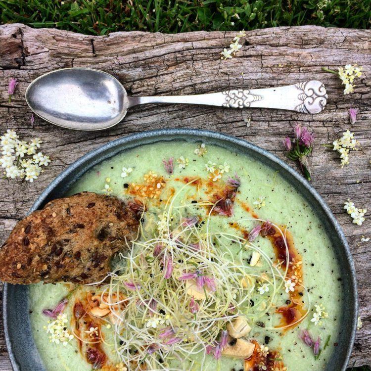 Kold sommersuppe opskrift - Plantebaseret / Vegansk - Mad med glød