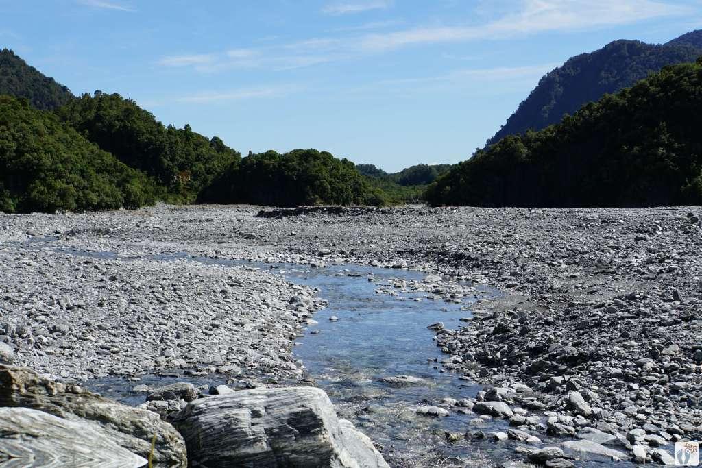 Moränenlandschaft {Reisetagebuch «Roadtrip durch Neuseeland mit dem Bus»: «Franz Josef Gletscher»}