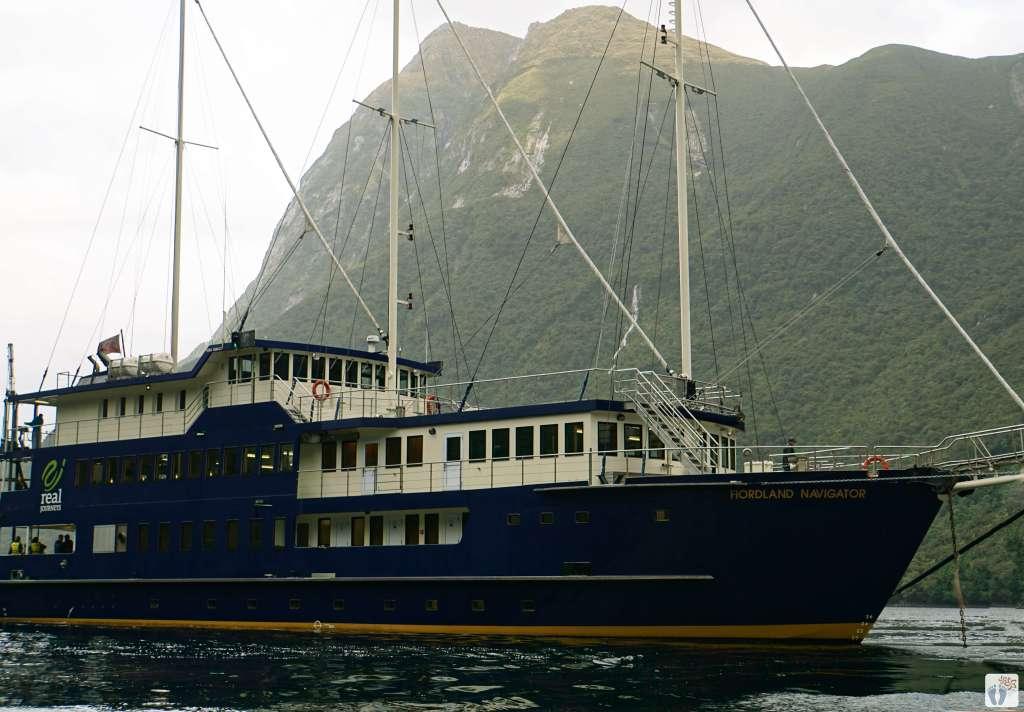 «Fiordland Navigator» {Reisetagebuch «Roadtrip durch Neuseeland mit dem Bus»: «Doubtful Sound Overnight Cruises»}