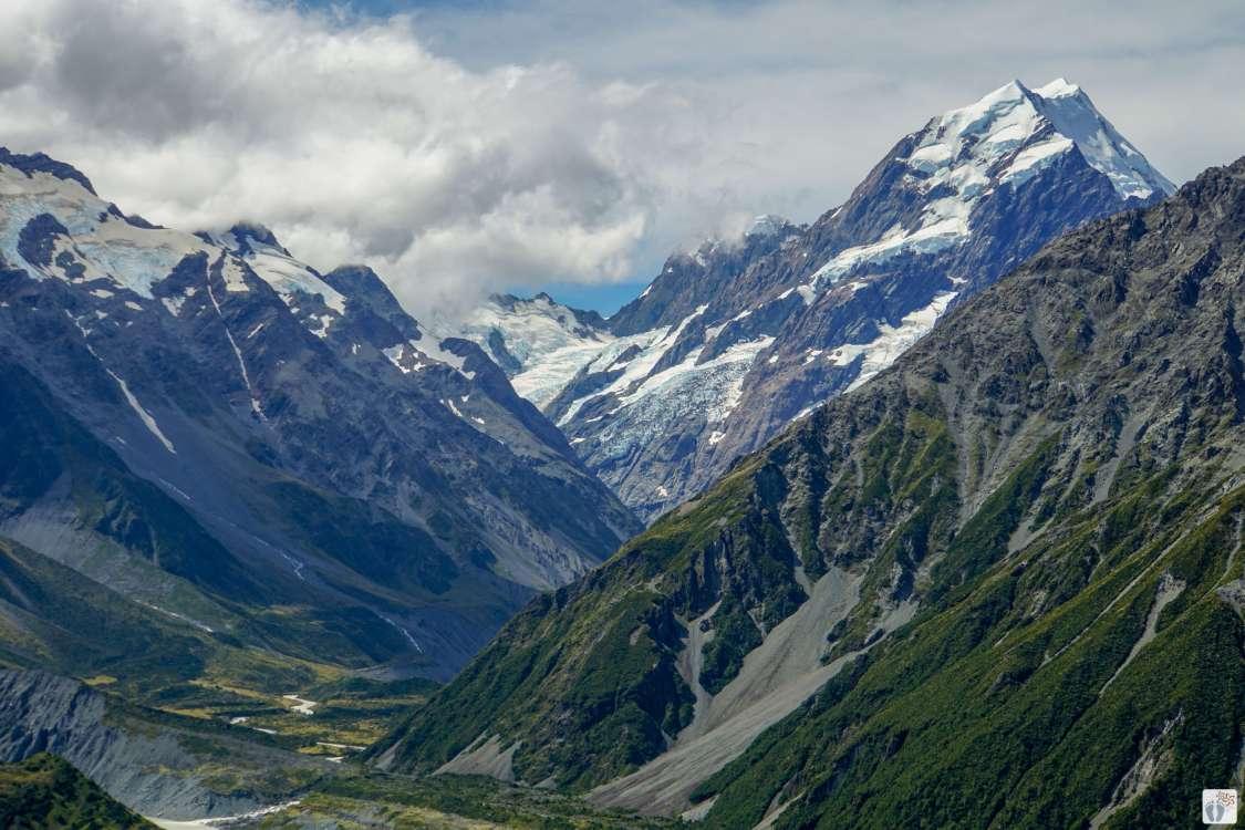 Blick vom «Red Tarns Track»: Bergkulisse {Reisetagebuch «Roadtrip durch Neuseeland mit dem Bus»: Aoraki-Mount Cook}