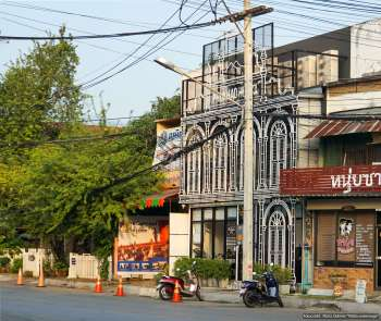 Phukhao Hostel in Chiang Mai: Außenansicht (Reisetagebuch «Thailand als Alleinreisende ohne Roller entdecken»)