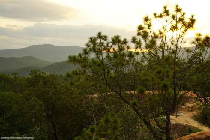 Pai Canyon - warten auf den Sonnenuntergang (Reisetagebuch «Thailand als Alleinreisende ohne Roller entdecken»)