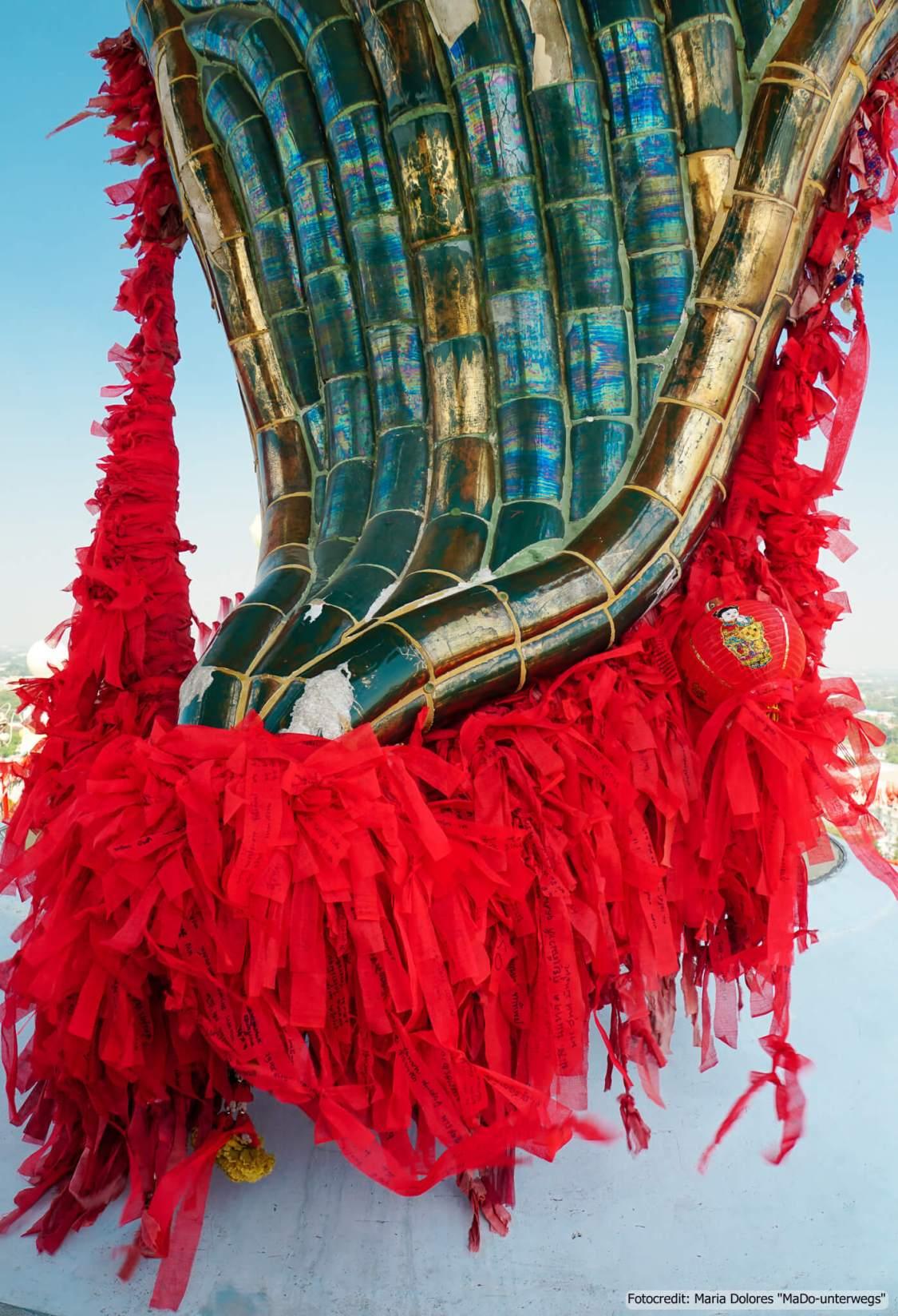 Wat Samphran (Drachentempel) in Nakhon Pathom - Bart des Drachen (Reisetagebuch «Thailand als Alleinreisende ohne Roller entdecken»)