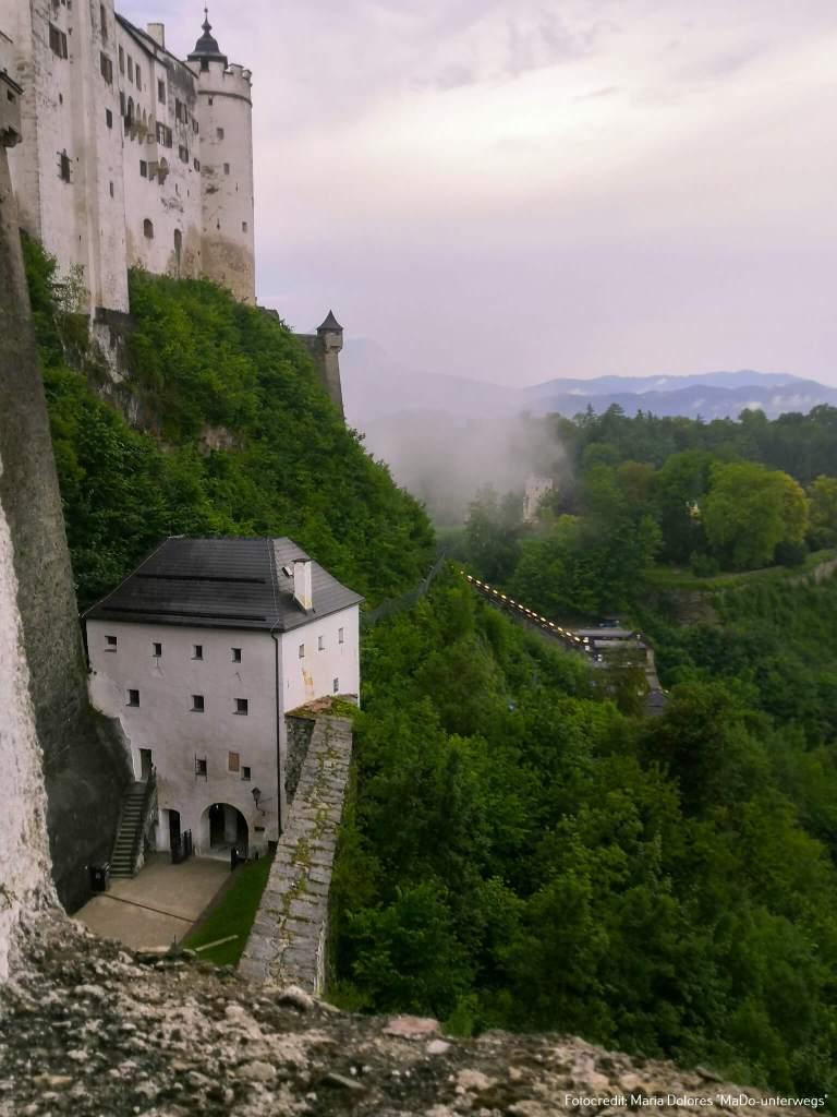 Blick auf die Festungsbahn: von der Kuenburgbastei - Festung Hohensalzburg [10 Tage Roadtrip Salzburg]