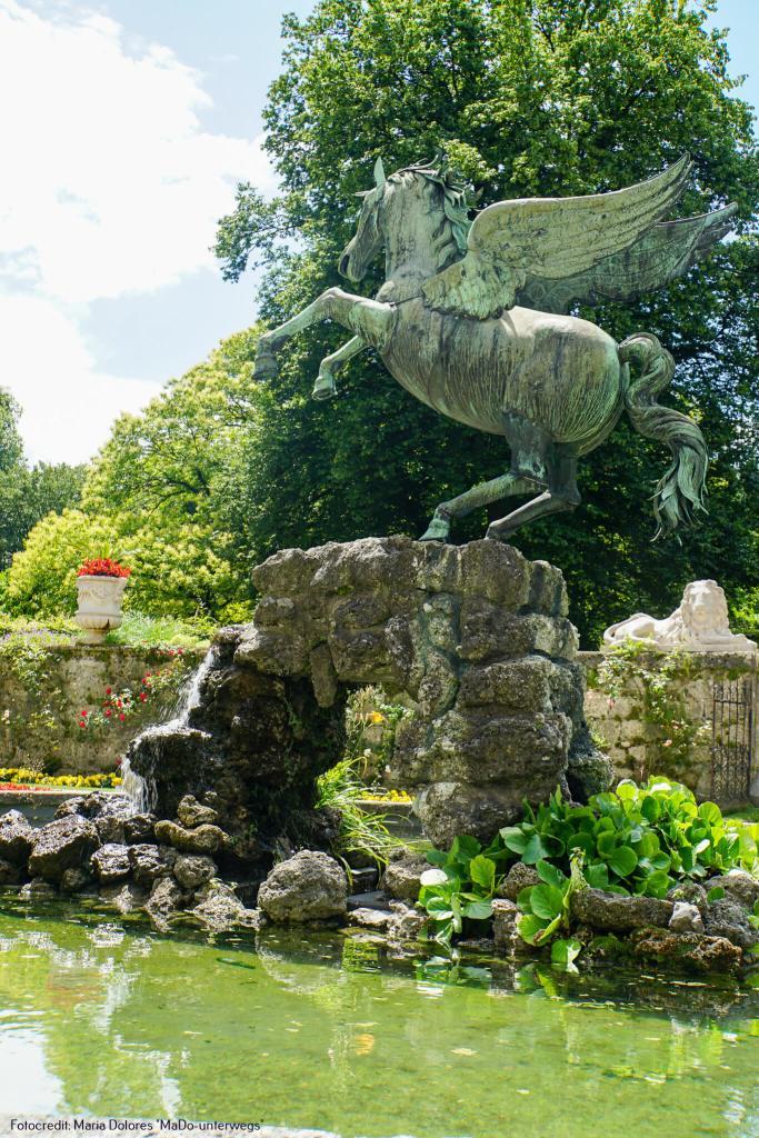 Pegasusbrunnen - Bronzeskulptur: Mirabellgarten [10 Tage Roadtrip Salzburg]