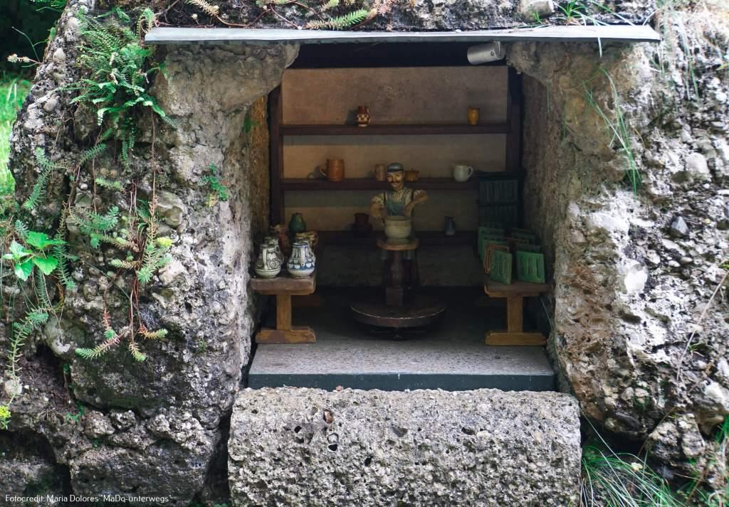 """Wasserspiele Hellbrunn: Wasserautomat """"Töpfer in seiner Werkstatt"""" [10 Tage Roadtrip Salzburg]"""