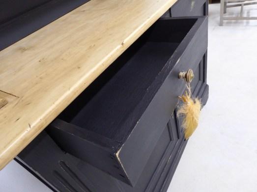 createur relooking meuble buffet peinture vintage brocante contemporain déco moderne bois aérogommage sablage ponçage
