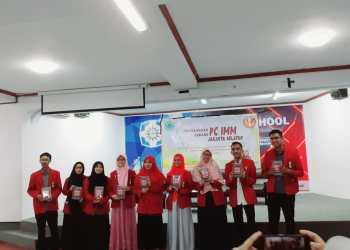 15 Penulis Buku Nafas Cendekiawan Muslim, Aula PCM Kebayoran Baru, Jaksel, Jumat (8/11),