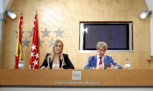 Cristina Cifuentes informando sobre las nuevas tasas.