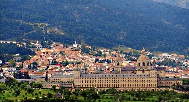 """Seinaugura el curso """"Libertad y seguridad frente a las nuevas amenazas"""" en San Lorenzo de El Escorial"""