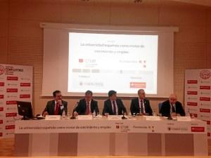La inauguración ha estado presidida por el rector de la UCM, D. Carlos Andradas.