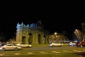 Los monumentos más emblemáticos de la ciudad Madrid han permanecido apagados este sábado, 25 de marzo, entre las 20.30 y las 21.30 horas.
